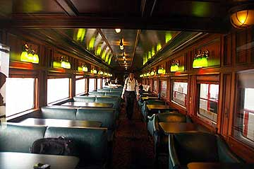 Panama Canal Railway with luxurious passenger service