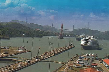 The MS Prinsendam Cruise Ship approaching the Miraflores Locks