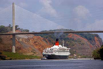 The RMS Queen Elizabeth 2 (QE2) in the Panama Canal