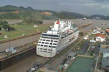 The Royal Princess leaving The Miraflores Locks