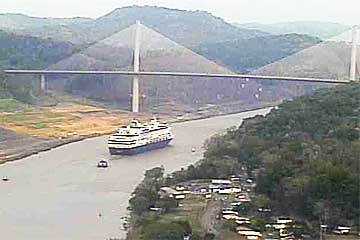 The Statendam Cruise Ship in the Panama Canal